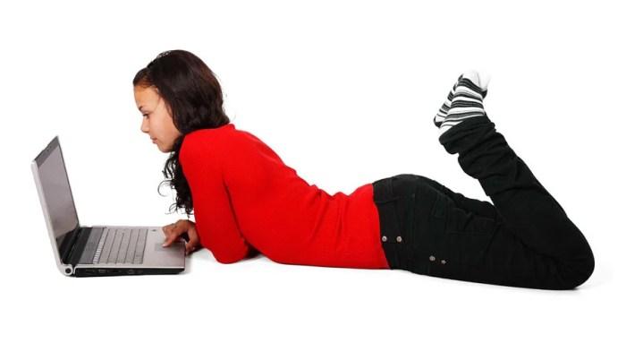 Necesita enseñar a su hijo a navegar en Internet de manera segura? Be Internet Awesome