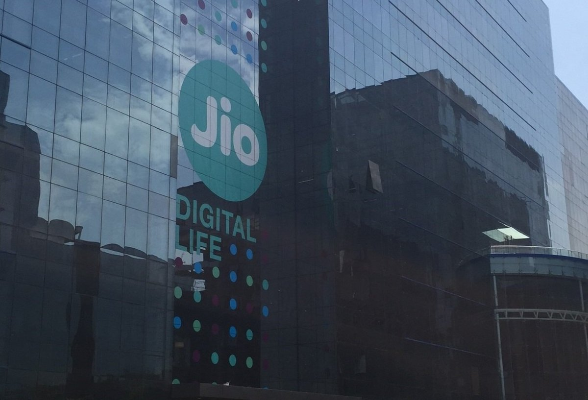 Top 7 Important Points about Reliance Jio Rs 199 Postpaid Plan