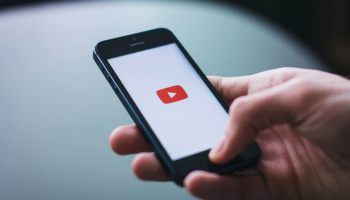 youtube app supports voice search while casting on smart tv