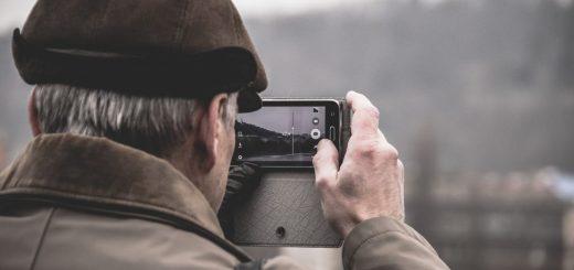 elderly with smartphone