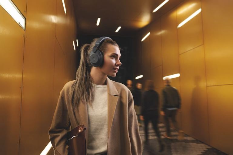 Jabra Elite 85h: Headphones with artificial intelligence | Tech Coffee House