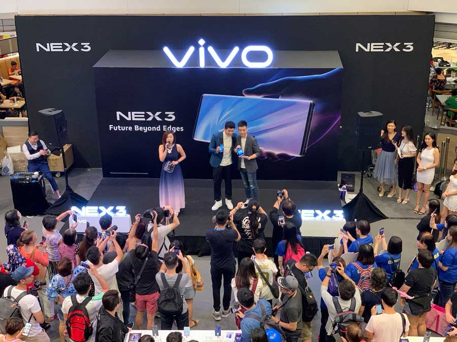 vivo NEX 3 reaches out to heartlanders at Bedok Mall