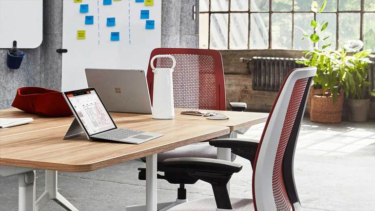 Steelcase Flex Mobile Power Brings True Mobility to Workplace