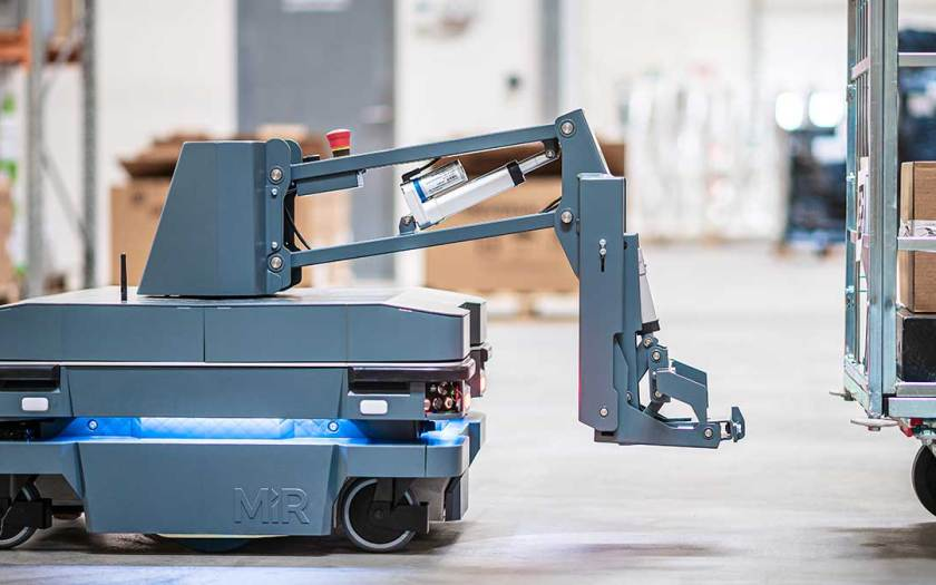 Automated Internal Transport: MiR Launches New Solution for Towing Carts
