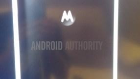 Moto E black leak (2)