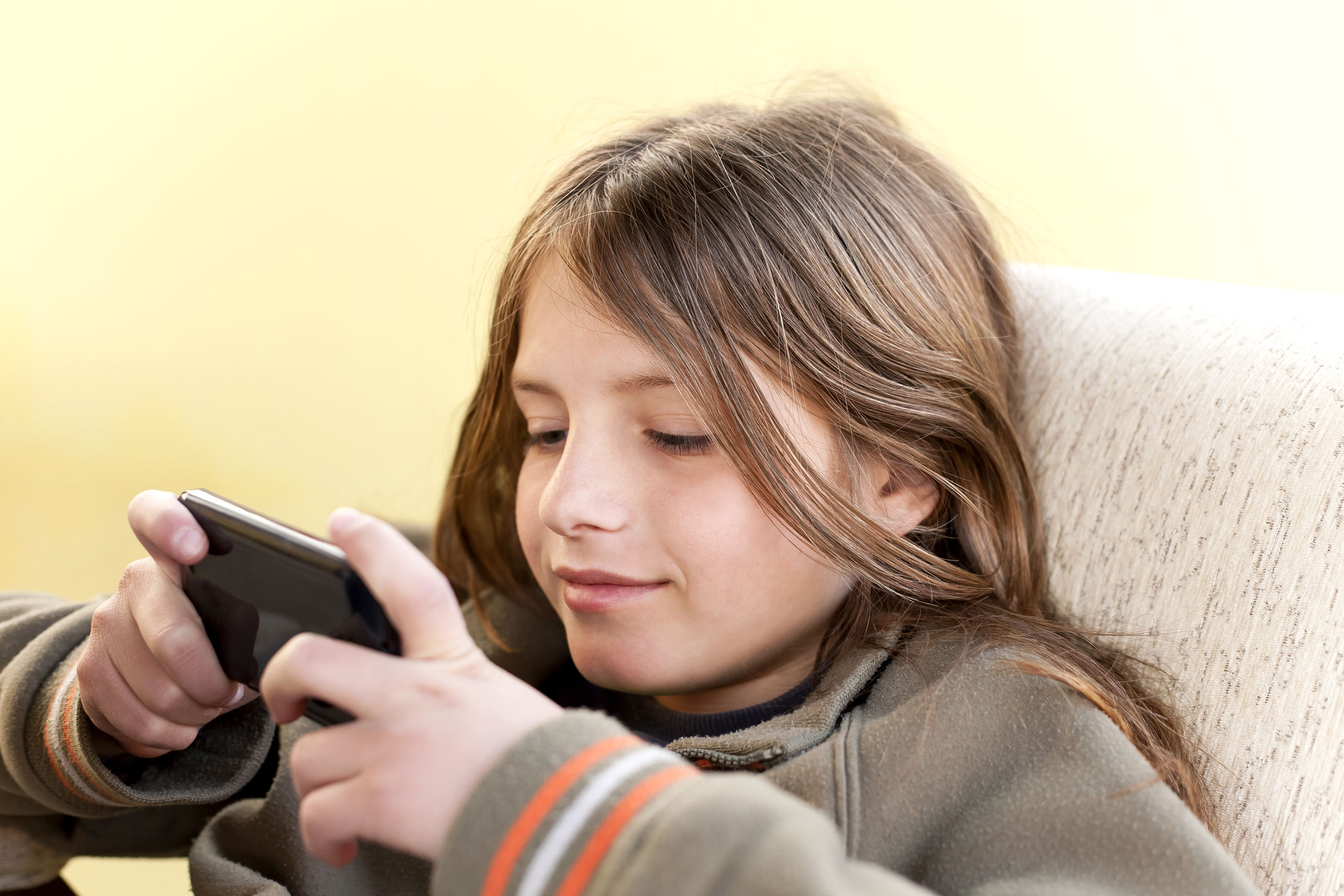 The Average Age For A Child Getting Their First Smartphone Is Now 10 3 Years Techcrunch