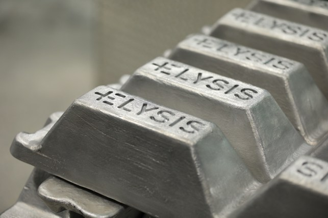 Apple invests $10M in greenhouse gas-free aluminum smelting