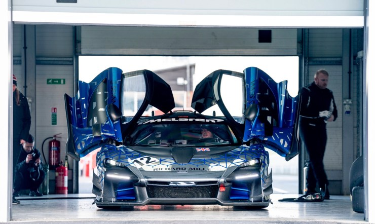Puertas McLaren Senna GTR