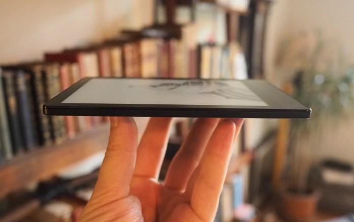 A Boox Poke 3 e-reader side-on.
