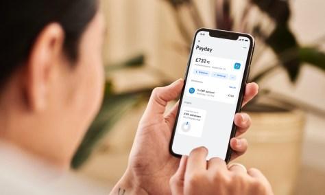 Revolut launches a UK salary advancement feature