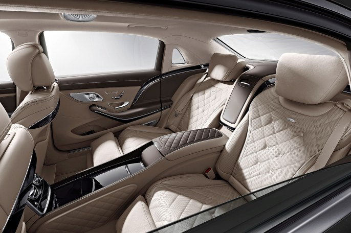 2016-mercedes-maybach-s600-back-seats