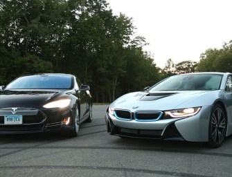 Must Watch: Tesla Model S P85D Totally Beats Up BMW i8