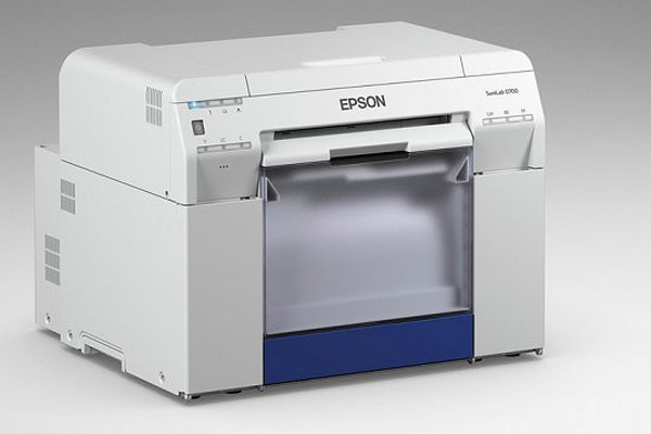 Epson SureLab D700, stampante inkjet a 6 colori per formati particolari