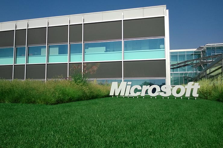 Microsoft sviluppa la strategia Mobile First, Cloud First