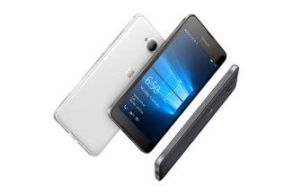 Microsoft vende le attività dei feature phone a FIH Mobile