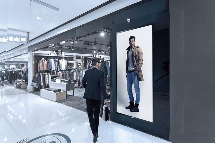 Display Panasonic: 4K per ambienti retail, business e scuole
