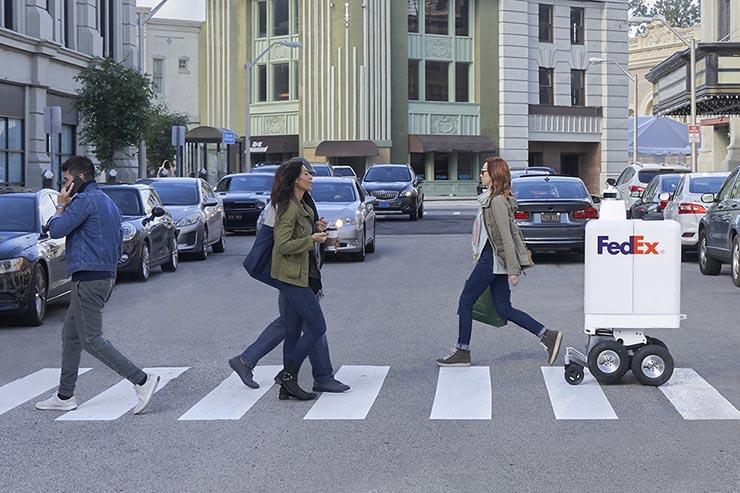 FedEx, presentato il SameDay Bot: ecco i robot-corrieri