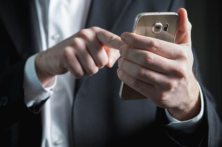 SMSAPI: tra le nuove strategie politiche ci sono anche gli SMS