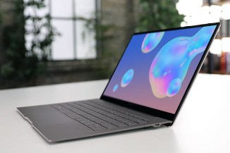 Samsung Galaxy Book S, CPU Qualcomm e connettività Gbit LTE