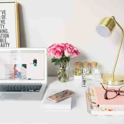 What is a blog?   What is blogging?   Who is a blogger?   Tech Girl Help Desk