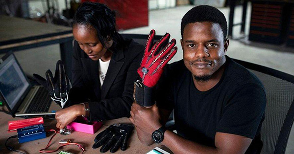 Black Engineer Invents Gloves That Turn Sign Language into Audible Speech