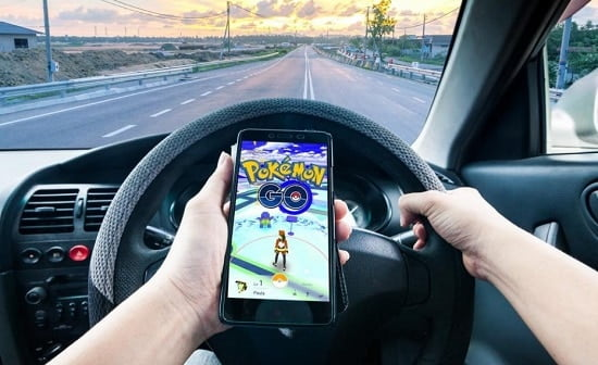 how-to-teach-kids-play-pokemon-go-safely