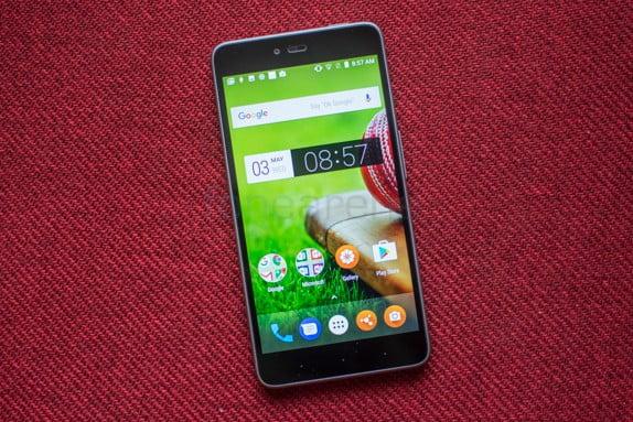 Smartron SRT Phone Review 5