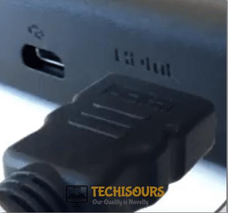unplug HDMI to fix Roku error code 020