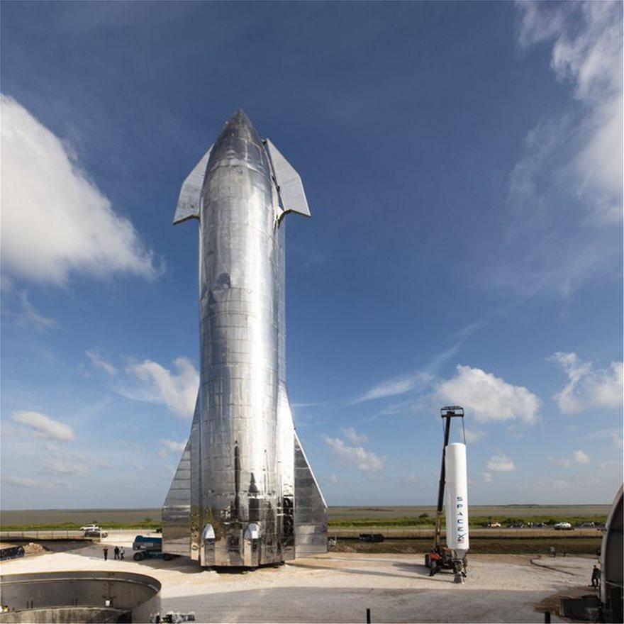 "Elon Musk shows off massive ""Starship"" spacecraft prototype"