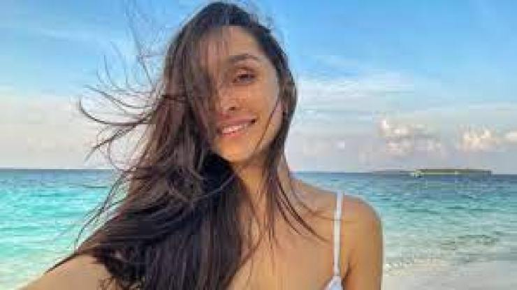 Shraddha Kapoor wears blue bralet top on vacation, you can buy for just Rs 1,000