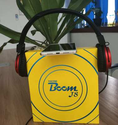 Tecno Boom J8 Review Unboxing