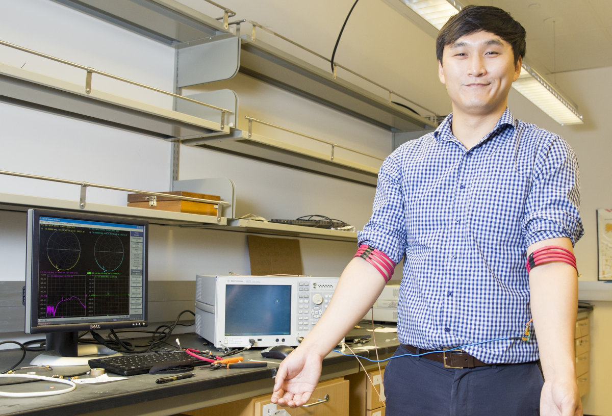 Forget Bluetooth,Researchers Developed A New Technology That Transmit Data Through Your Body