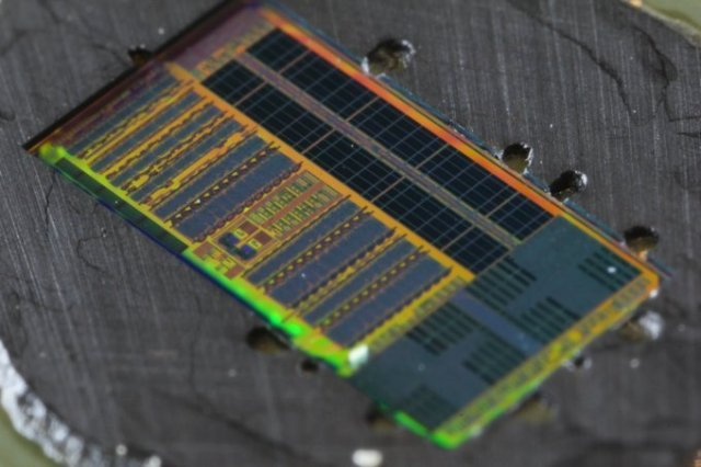 Light-Based Microprocessor Chip