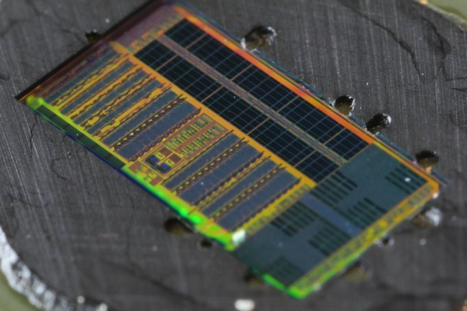 Light-Based Microprocessor Chip
