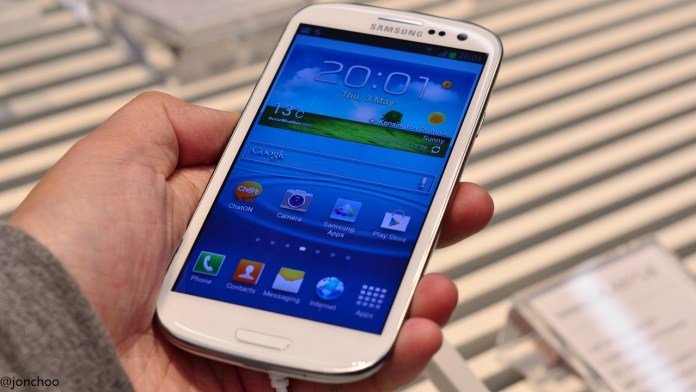 Samsung Galaxy S3 S III SGS3 hands-on