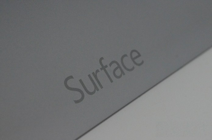 surface2handson71_1020_verge_super_wide