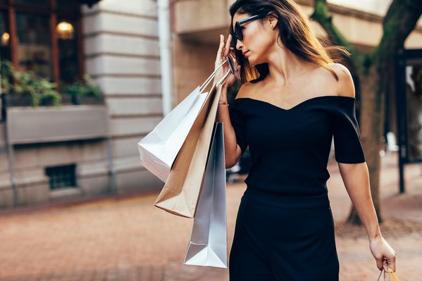 Global Luxury Brands Explore New Grounds To Reach Thai Consumers Through Chat Commerce on LINE Platform in the New Normal Era.