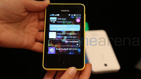 Nokia Asha 502 IMG:Fonearena