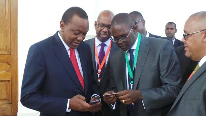 Uhuru tops up his Card
