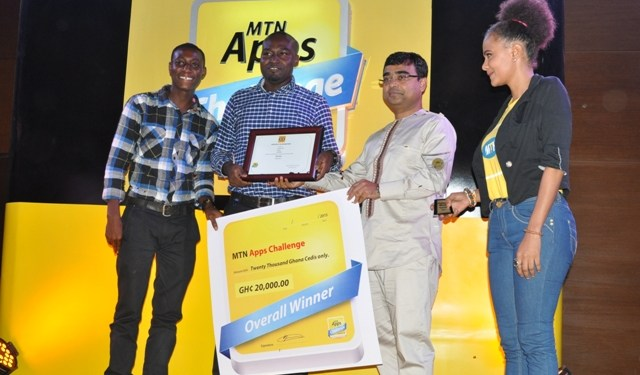 Nana Ekow Taylor, Elvis Agah Henkoppong receive their award as overal winners