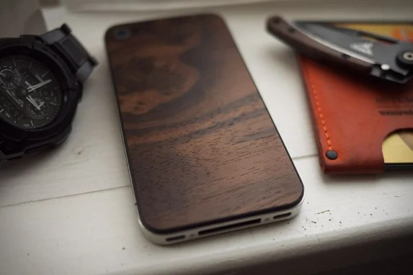material 6 wood iphone back 01