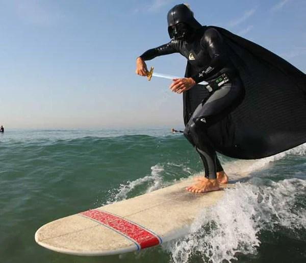 darth vader surfing 01