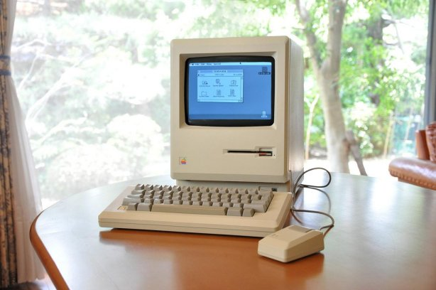 the-macintosh-512k-released-in-september-1984-was-identical-to-the-previous-mac-but-with-quadrupled-built-in-memory-earning-it-the-nickname-fat-mac