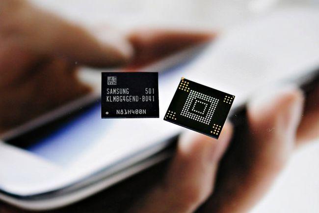 삼성전자, 기존 플래시보다 2.7배 빠른 128GB UFS 메모리 개발