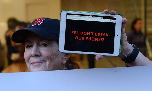 세기의 대결: 애플과 FBI 지지 세력의 대립