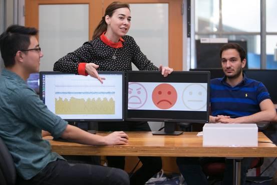 MIT 연구진, 무선신호 통한 감정인식 기술 소개
