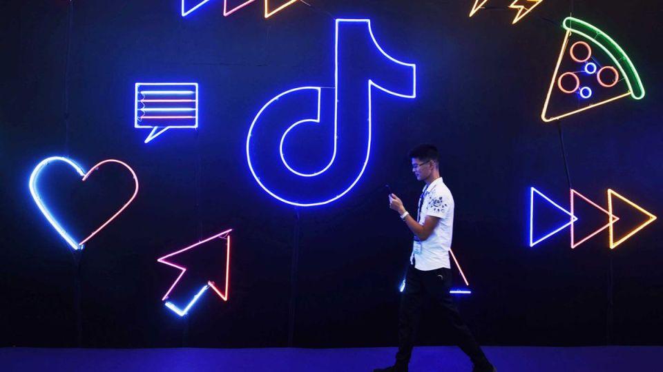 무섭게 성장하는 '젊은 피' 틱톡 vs. 커머스 강화하는 '있어 빌리티' 인스타그램