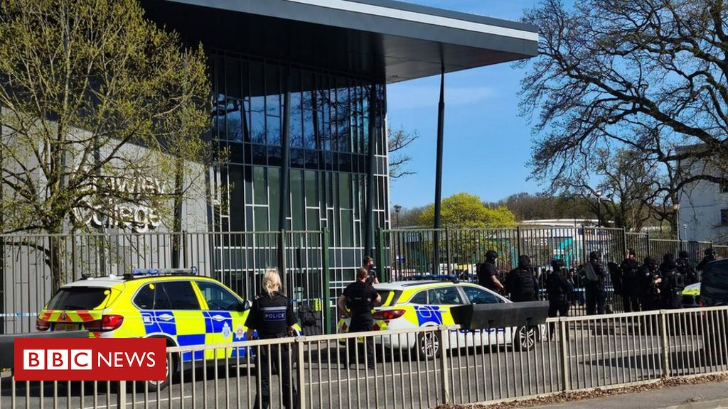 Crawley College: Two hurt as shots reported near college - BBC News