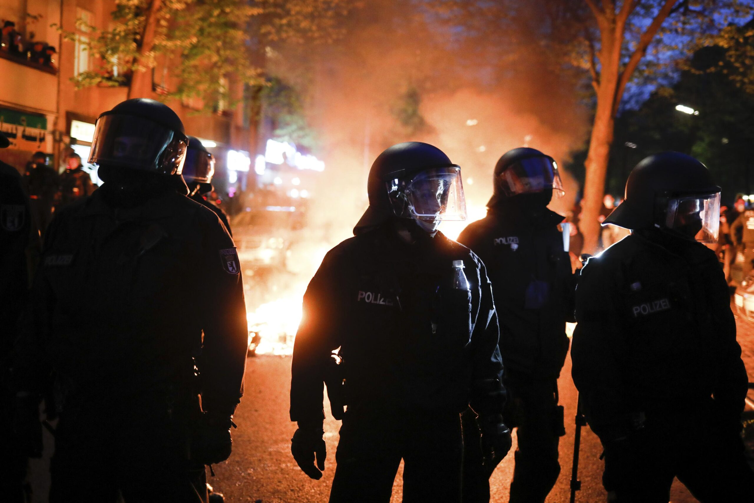 Over 90 German police injured in May Day riots