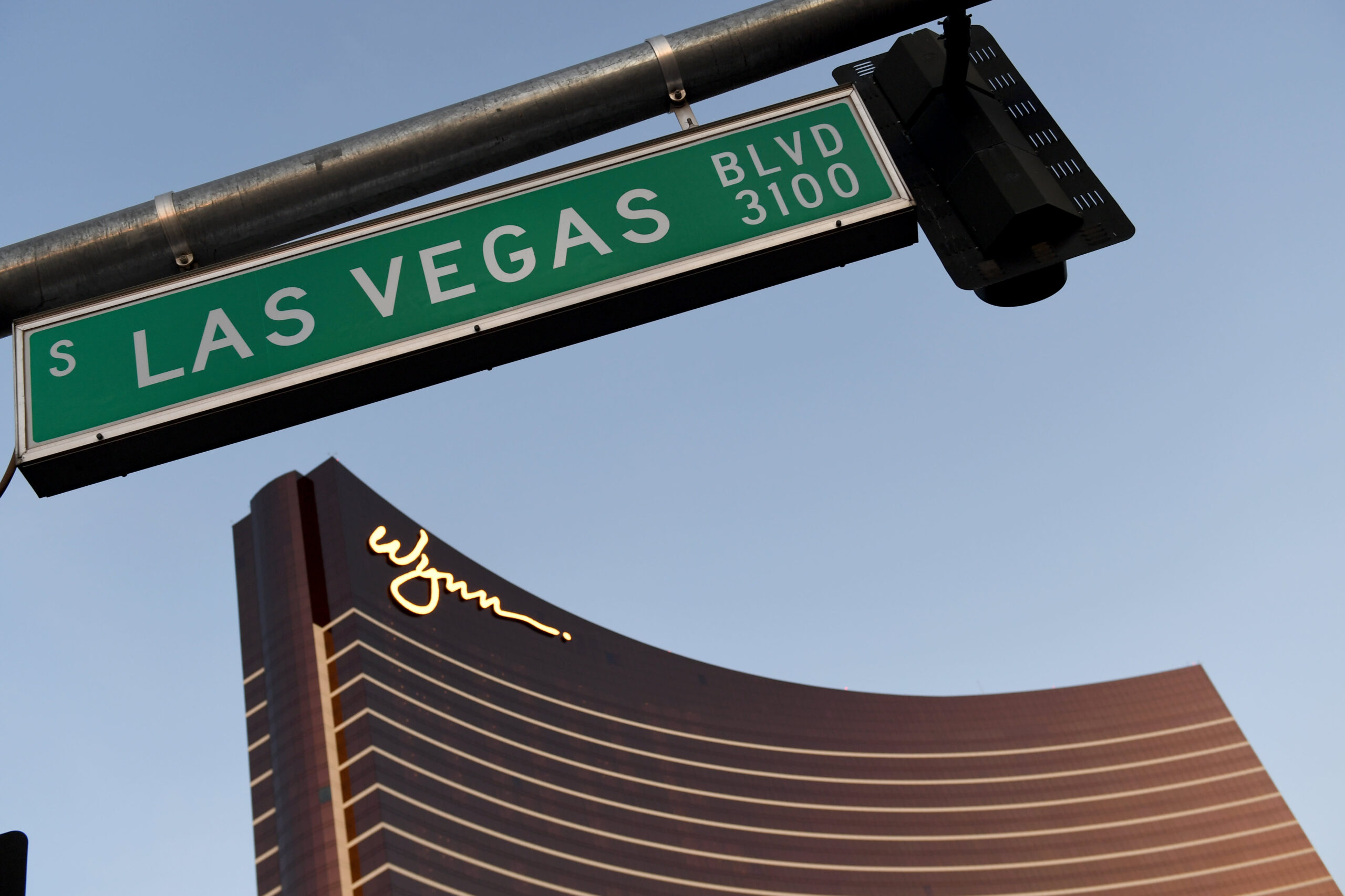 Wynn says vaccinated people can ditch masks in Nevada casinos